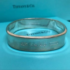 🔴Authentic Tiffany & CO Bangle 🔴